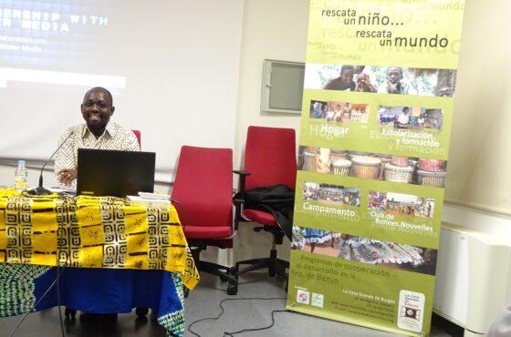 Charla «Como ayudar en cooperación al desarrollo sin crear dependencia»